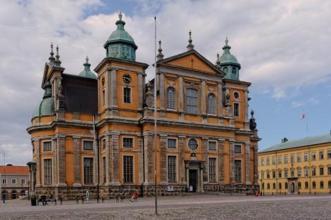 Bild: Der Dom zu Kalmar mit seiner Barockfassade ist zweifellos eine der Sehenswürdigkieten der schwedischen Hafenstadt. NIKON D700 mit AF-S NIKKOR 24-120 mm 1:4G ED VR.