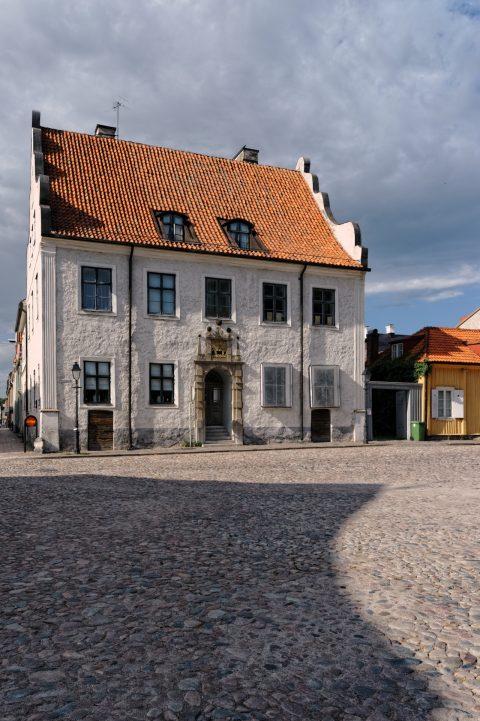 Bild: Historisches Wohnhaus in der Altstadt von Kalmar. NIKON D700 mit NIKKOR 24-120 mm 1:4G ED VR.