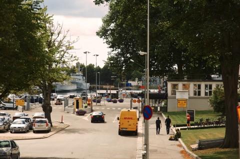Bild: Die Hafenstadt Karlskrona ist ein wichtiger Stützpunkt der schwedischen Marine. Das wird überall in der Stadt deutlich. NIKON D700 mit AF-S NIKKOR 24-120 mm 1:4G ED VR.