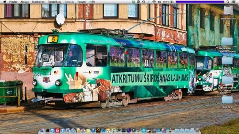 """Bild: Mein Desktop auf einem MacBook Air 11"""" unter Mac OS X mit einem Bild einer Straßenbahn am westlichen Rand der Altstadt von Riga."""