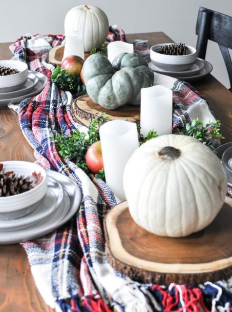 10 Farmhouse Style Fall Tablescapes at CentsibleChateau.com