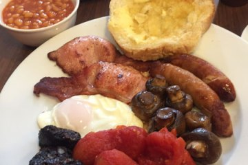 Leverton and Halls Full English Breakfast Organic
