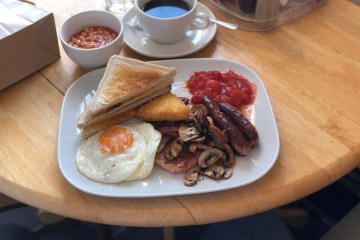 Lisa and Panns Kitchen Full English Breakfast