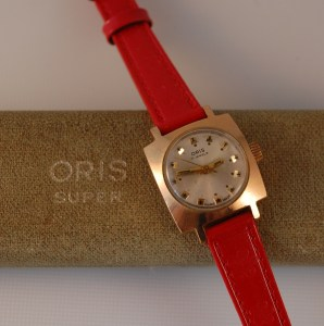 c1970 Oris 17j manual wind ladies watch