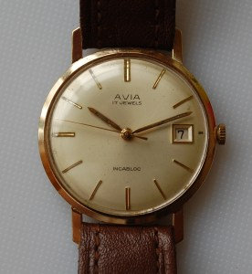 1966 Avia 9ct gold watch
