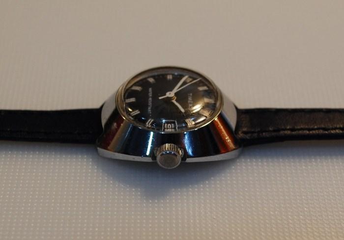 blue dialed ladies vintage watch