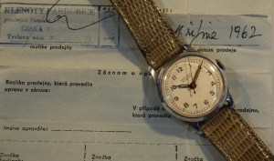 1957 or 1962 Mockba men's watch with box and papers
