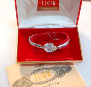 c1967 Elgin NOS ladies watch with box and papers