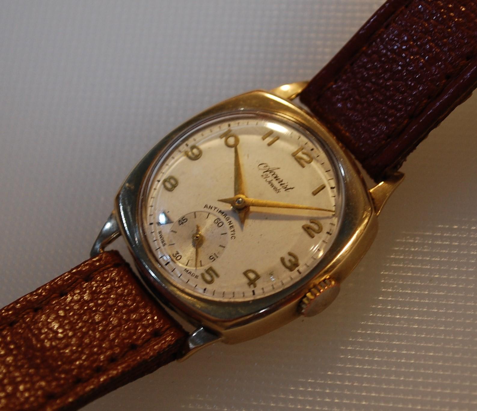 1952 Accurist 9k gold watch