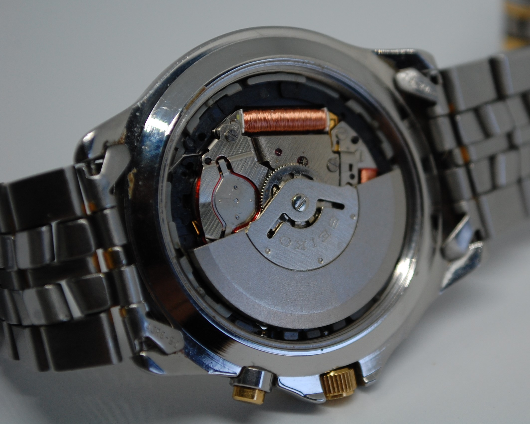 SOLD 1995 Seiko Kinetic 5M43-0A70 - Birth Year Watches
