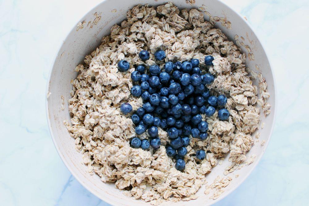 blueberries in oat mixture 1