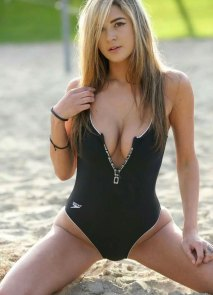blackswimsuit-3