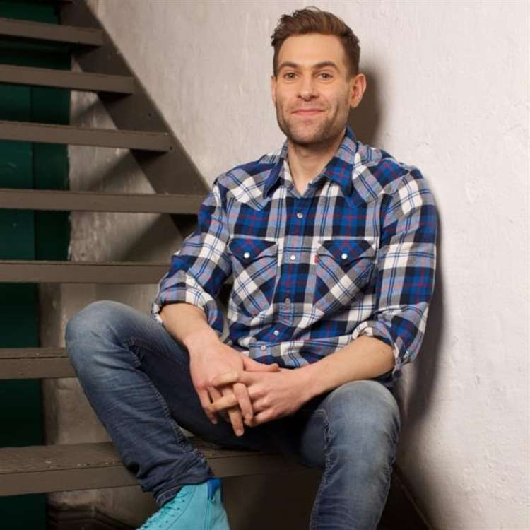 Image of: Comedian Simon Brodkin Dispenses With His Characters To Headline As Himself At Dunmow Comedy Club On Friday Bishops Stortford Independent Simon Brodkin The Well Good Prankster Headlines Dunmow Comedy Club