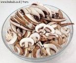 מרק פטריות וגריסים - חיתוך הפטריות