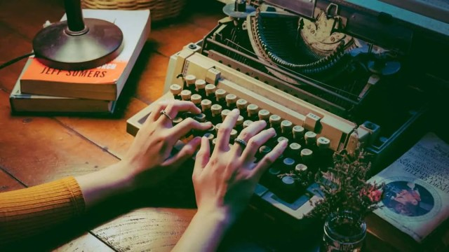 Guide to Becoming a Freelance Writer (Even Without Experience)