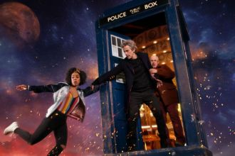 Image of Bill, The Doctor, and Nardole in the TARDIS