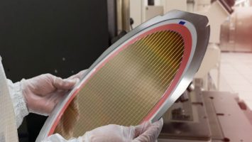 Samsung Begins 7nm Chip Production 2