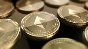 Ethereum [ETH] Forms Bearish Pattern As Price Slides 13% In A Day, Push To $230 Possible? 3
