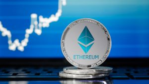 Ethereum Price Prediction: BTC/USD Double-Top Pattern Spotted As $380 Calls 1