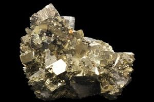 golden jewellery crystal pyrite diamond gemstone 610661 pxhere.com e1525515960740