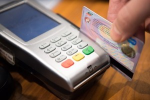 Pros and Cons of Bitcoin Debit Cards