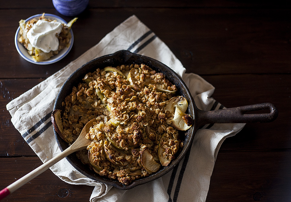 apple crisp – cast iron skillet recipe