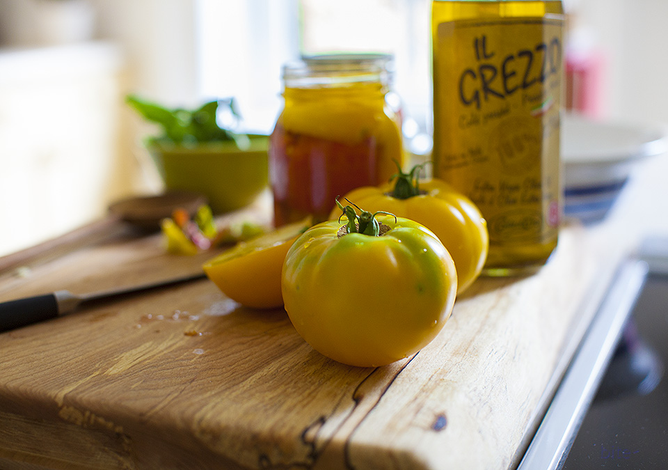 preserving summer tomatoes – quick and easy