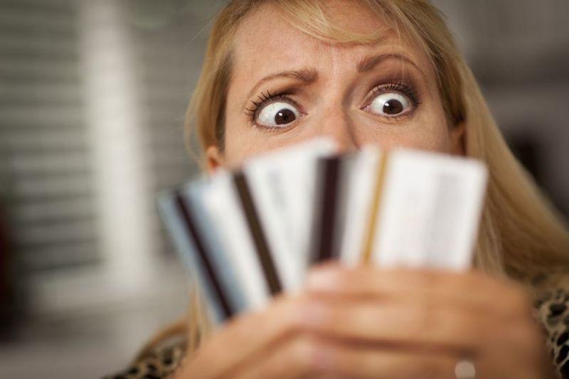 Foto: shutterstock.com, novac u braku, plaćanje računa, nesuglasice u braku