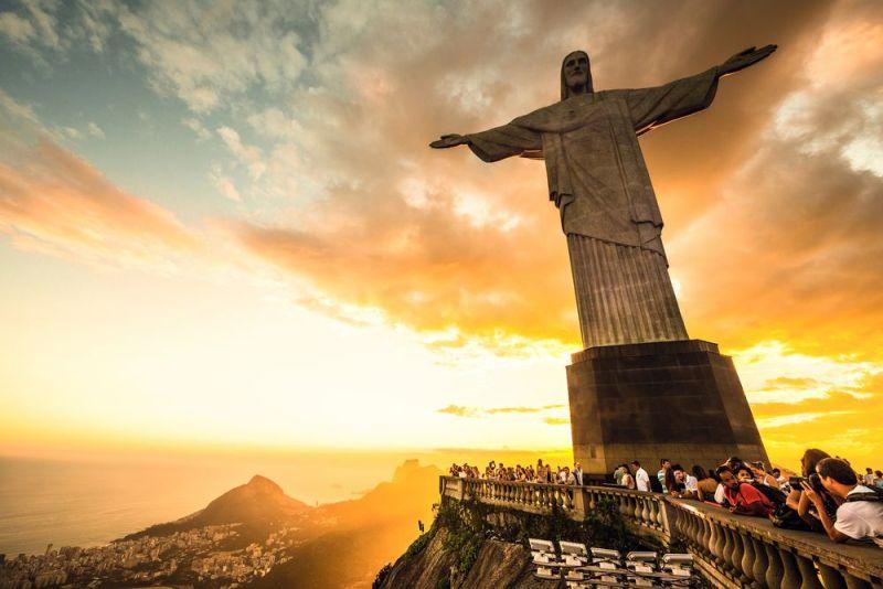 Foto: Shutterstock, kardinal Bagnasco, kršćanstvo