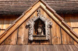 Iako se već spominje 1335. godine, današnji izgled joj je iz 15. stoljeća. Ona ima jedinstvene srednjovjekovne ukrase, slikocrteže, na svodu i zidovima iz 15. i 16. stoljeća. Ukrasi se sastoje od 77 motiva, uključujući arhitektonske gotičke oblike, životinjske, svjetovne i vjerske prizore.