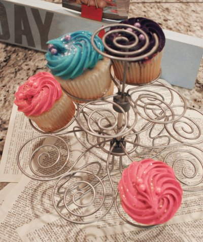 Book Nerd Party Hunger Games Cupcakes