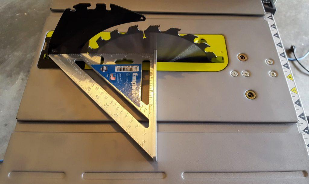 horizontal blade alignment