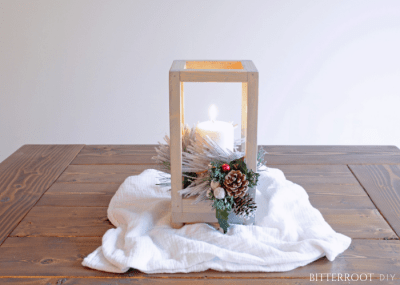 Christmas Table Setting - DIY Lantern Centerpiece