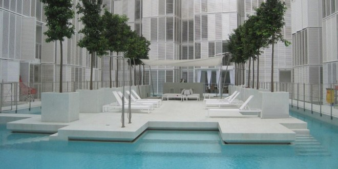 20121004160750_el-patio-blanco-Ibiza-1