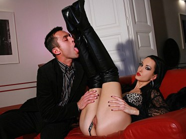 Fetish Liza Gets Her Pussy and Boots Licked and Foot Jerks a male slave