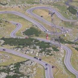 Ministerul Transporturilor vrea să bage taxă pe Transfăgărăşan. Susţine că va investi aceşti bani, pentru ca şoseaua să fie deschisă şi iarna