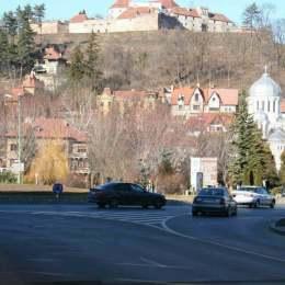 Cetățuia Brașovului, o ruină, care așteaptă de aproape doi ani un verdict al Curții de Apel cu privire la stabilirea proprietarului de drept