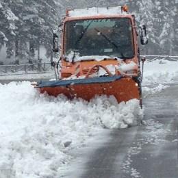Zăpadă ca în toiul iernii în Poiană, însă se schiază pe propriul risc!