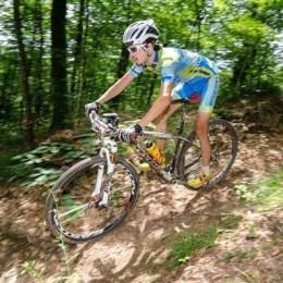 Întrecere pe biciclete, pe cărările de munte ce duc spre Poiană, în acest weekend
