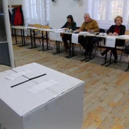 Peste 270.000 de persoane au votat la Brașov. Cantina din Memo, Casa de Cultură Predeal și Grădinița din Sânpetru, secțiile cu cei mai mulți alegători prezenți