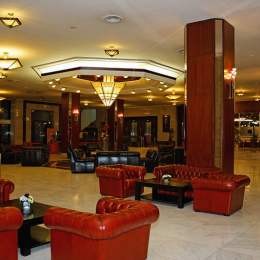 Hotelurile administrate de Aro Palace SA au avut venituri din cazări de 2,1 milioane de euro în 2014