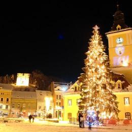 Târgul de Crăciun a adus 230.000 de lei la bugetul municipiului. Vezi însă cât a costat organizarea distracției de sărbători din centrul Brașovului