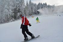 De joi se schiază în Poiana Brașov! Vezi aici tarifele de acces la transportul pe cablu