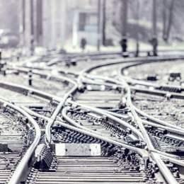 Asocierea Brasig Strabag –Swietelsky va moderniza subsecțiunile de cale ferată Braşov – Apaţa şi Caţa – Sighişoara pentru 3,14 miliarde de lei
