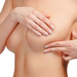 Femeile din Prejmer și Tărlungeni, examinate gratuit pentru depistarea cancerului de sân