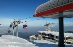 Pregătiri pentru sezonul de schi. Saltelele de protecție distruse de urși vor fi înlocuite cel târziu până pe 15 noiembrie