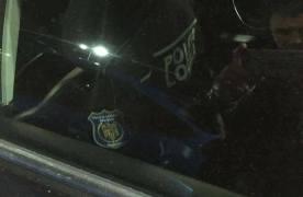 FOTO Polițiștii locali parchează pe locuri de handicapat, după ce i-au amendat pe alți șoferi că au făcut acest lucru