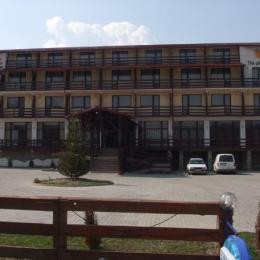 """Hotelul """"La Dolce Vita"""" din Bran, scos din nou la vânzare cu 1,24 milioane de euro"""