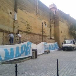 Zidul desuet din spatele Hotelului Aro începe să se transforme în cea mai mare pictură murală de la poalele Tâmpei. Artiștii care vor realiza lucrarea vor fi selectați printr-un concurs, premiul având o valoare de 10.000 de lei