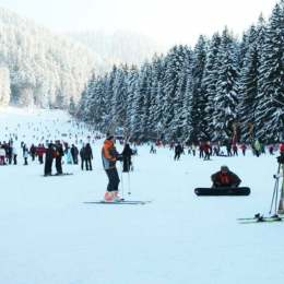 Lecții gratuite de schi în Poiana Brașov, cu ocazia deschiderii oficiale a sezonului de iarnă